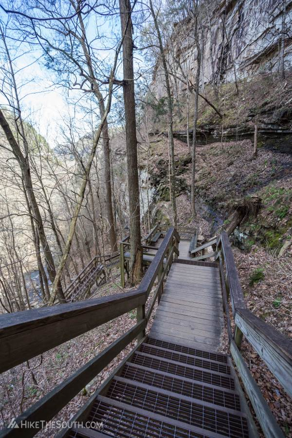 Cloudland Canyon Waterfalls Trail. 